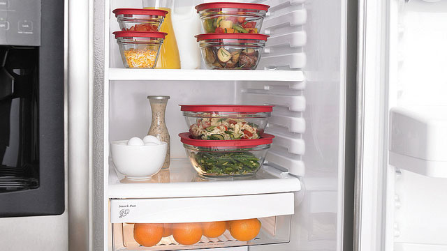 storing-food-in-fridge