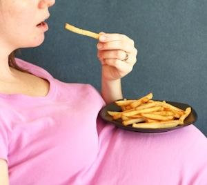pregnant-junk-food-mom2