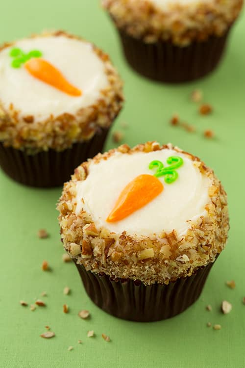 carrot-cake-cupcakes12srgb