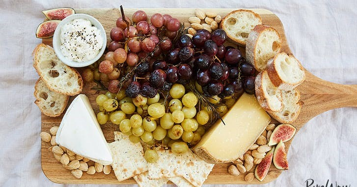 roasted-grape-ultimate-cheese-plate-new-40_4l