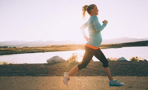 pregnant_exercise-9281634