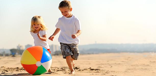 boy-girl-beach-ball
